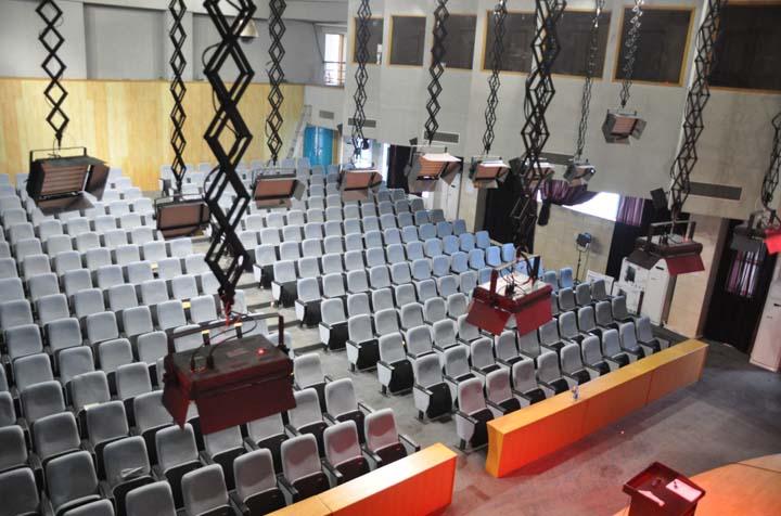 武汉大学会议室灯光工程