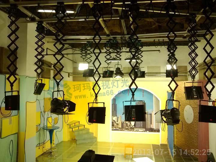 长沙电视台经贸频道演播室灯光