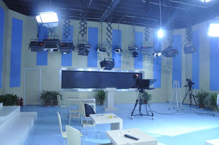 荆门电视台实景演播室灯光+声学装修工程