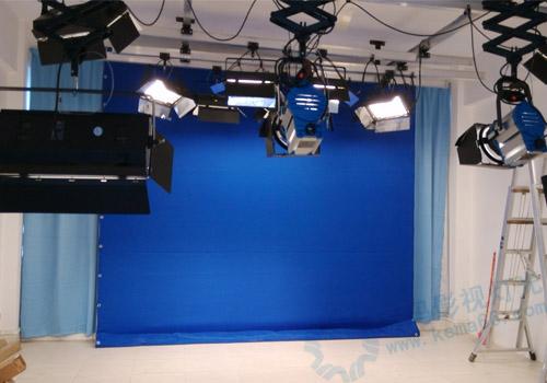 广西桂林市航天工业学院演播室灯光抠像幕布工程