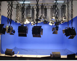 宁夏中卫电视台62平米演播室灯光工程