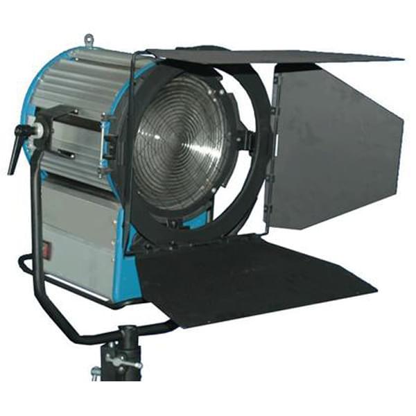 镝灯是一种具有高光效(75lm/w以上)、高显色性(显色指数80以上),长寿命的新型气体放电光源,是金属卤化物灯的一种,公司生产的ALAI属单端紧凑型冷光源金卤气体放电灯具。它光效高、,它具有体积小、结构紧凑、光效高、显色性好、亮度高,光学镜片选用国外进口具有完美的短焦距螺纹镜片。提供超平稳运行,最宽的光束角度范围。调焦系统采用机械工艺精密加工而成,具有完美的互换性,外形采用耐腐蚀铝合金结构,轻便耐用。镝灯有球形、管形、椭球形等多种形状可满足不同用途的需要,使用时需相应的镇流器和触发器。 作用: 适用于电